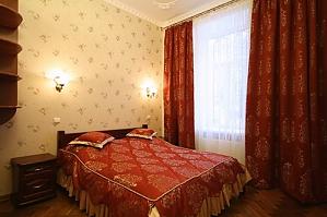 14 Kobylyanskoy, Una Camera, 001