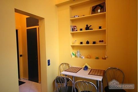 Квартира в центрі біля університету, 1-кімнатна (32039), 005