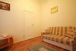 Квартира в центрі біля університету, 1-кімнатна, 004