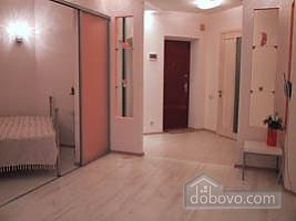 2 Avdeeva-chernomorskogo, Una Camera (99654), 005