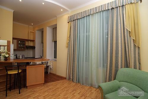 16 Малая Житомирская, 2х-комнатная (32369), 002