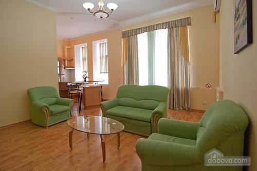 16 Малая Житомирская, 2х-комнатная (32369), 004