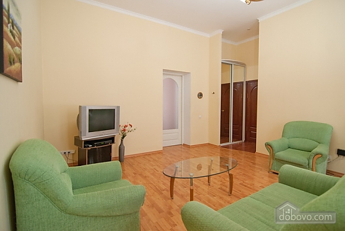 16 Малая Житомирская, 2х-комнатная (32369), 005