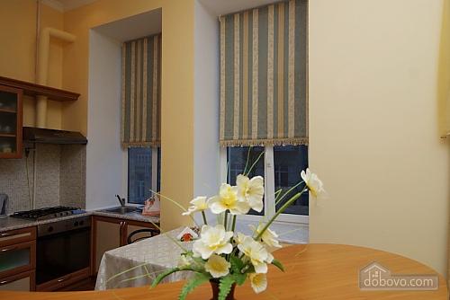 16 Малая Житомирская, 2х-комнатная (32369), 007