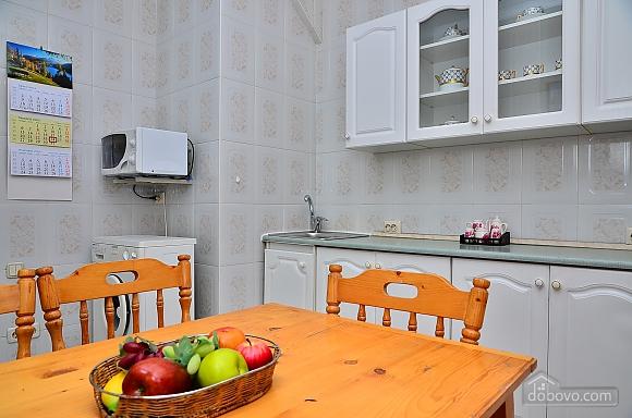 Уютная квартира на Крещатике, 2х-комнатная (85016), 011
