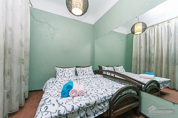 Apartment in the center of Kyiv, Three Bedroom (53476), 013