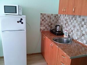 Квартира-студія біля станції метро Жукова, 1-кімнатна, 002