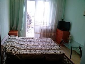 Квартира-студія біля станції метро Жукова, 1-кімнатна, 001