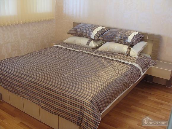 Квартира полулюкс, 2х-комнатная (98230), 001