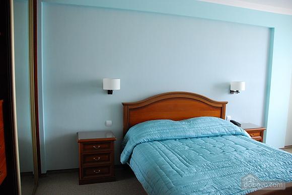 Уютная квартира на Лукьяновке, 2х-комнатная (86663), 001
