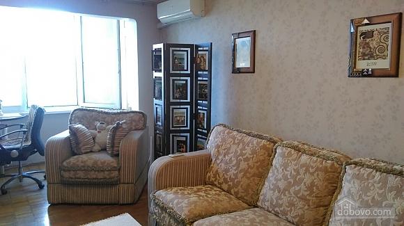Уютная квартира на Лукьяновке, 2х-комнатная (86663), 002