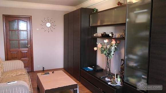 Уютная квартира на Лукьяновке, 2х-комнатная (86663), 005