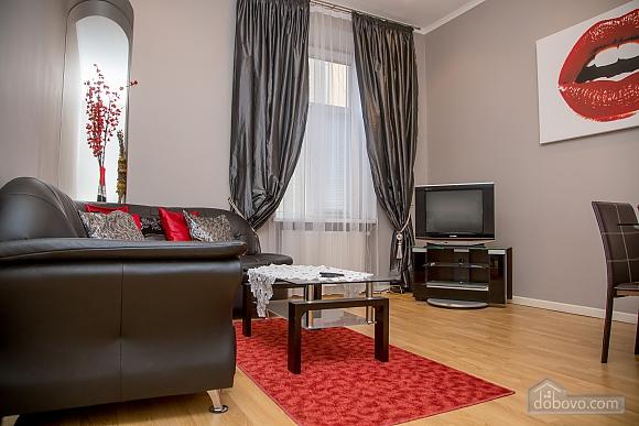 Апартаменти в пару хвилинах від Оперного театру, 2-кімнатна (26673), 006