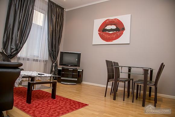 Апартаменти в пару хвилинах від Оперного театру, 2-кімнатна (26673), 007