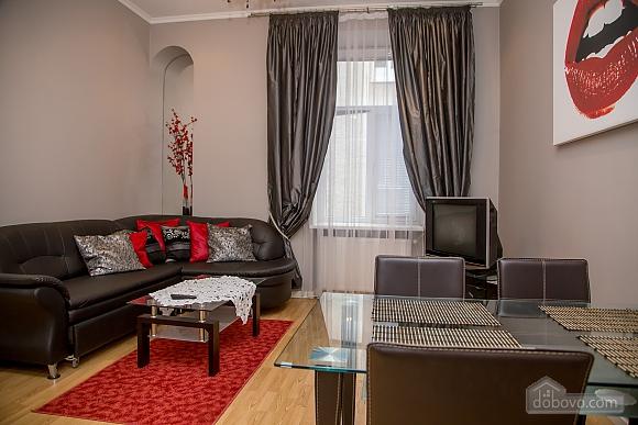 Апартаменти в пару хвилинах від Оперного театру, 2-кімнатна (26673), 008