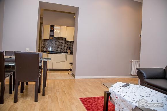 Апартаменты в пару минутах от Оперного театра, 2х-комнатная (26673), 009