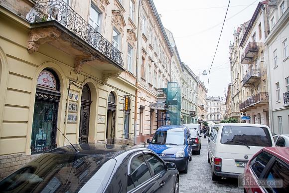 Апартаменти в пару хвилинах від Оперного театру, 2-кімнатна (26673), 023