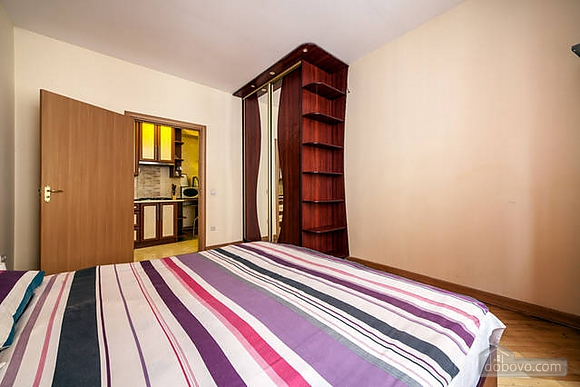 Apartment in the historical centre, Two Bedroom (93210), 007