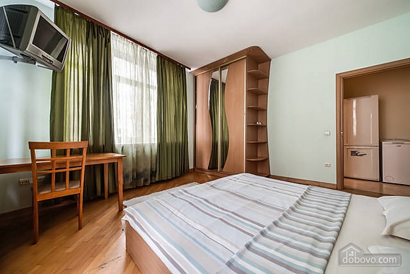 Apartment in the historical centre, Two Bedroom (93210), 011