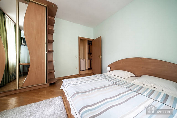 Apartment in the historical centre, Two Bedroom (93210), 021