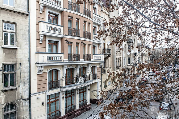 Apartment in the historical centre, Two Bedroom (93210), 030