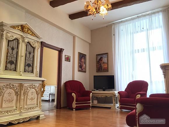 Елітна квартира в самому центрі, 2-кімнатна (59310), 002