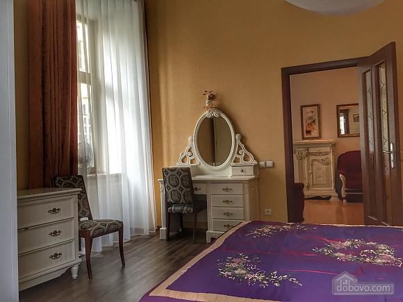 Елітна квартира в самому центрі, 2-кімнатна (59310), 012