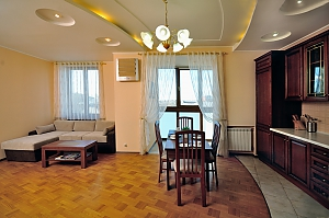 Spacious apartment in the center of the city, Zweizimmerwohnung, 001