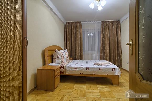 Уютная квартира на Печерске, 2х-комнатная (34765), 002