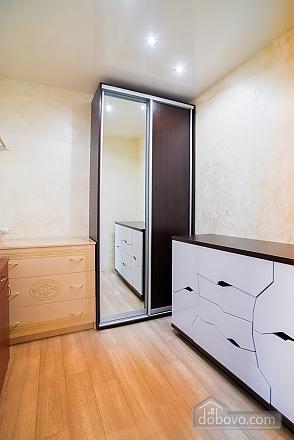 Квартира в престижному районі центру, 2-кімнатна (27068), 011
