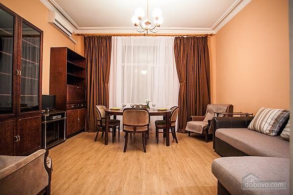 Видова квартира на Хрещатику, 2-кімнатна (36209), 002