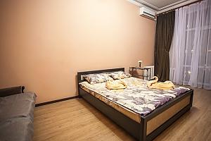 Видовая квартира на Крещатике, 2х-комнатная, 001