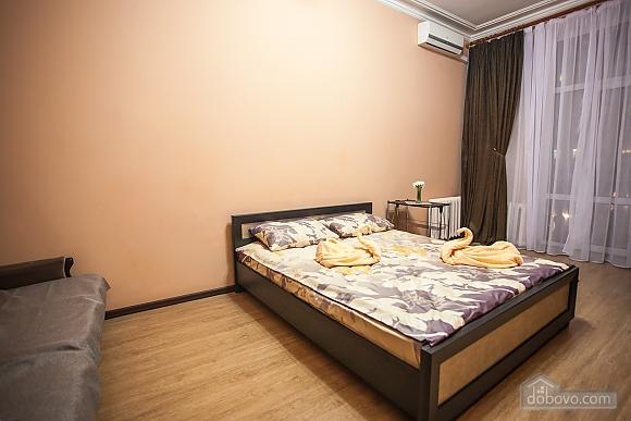 Видова квартира на Хрещатику, 2-кімнатна (36209), 001