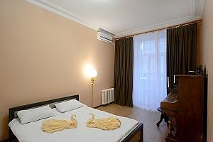 Видовая квартира на Крещатике, 2х-комнатная, 004