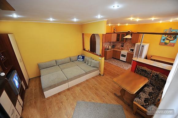 Duplex apartment in the center, Trois chambres (96784), 004