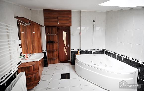 Duplex apartment in the center, Trois chambres (96784), 013