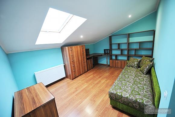 Duplex apartment in the center, Trois chambres (96784), 019