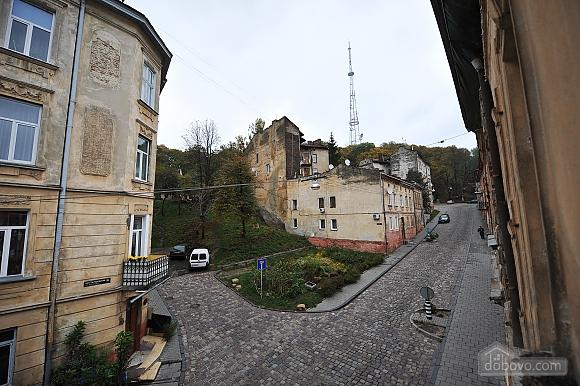 Duplex apartment in the center, Trois chambres (96784), 020