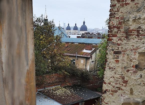 Duplex apartment in the center, Trois chambres (96784), 021