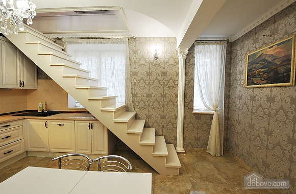 Three-level apartment, Trois chambres (61818), 010