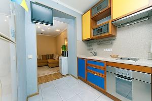 Квартира в центре, 2х-комнатная, 003