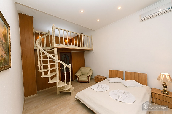 Apartment with second floor in the center, Due Camere (51494), 011