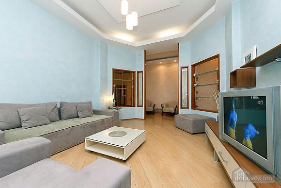 Велика квартира на Бесарабській площі, 3-кімнатна (36197), 004