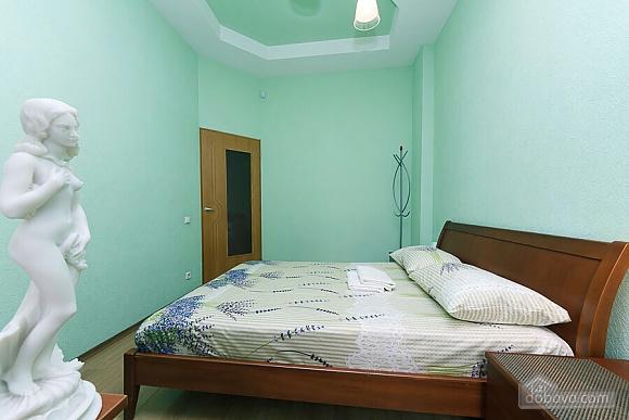 Велика квартира на Бесарабській площі, 3-кімнатна (36197), 012