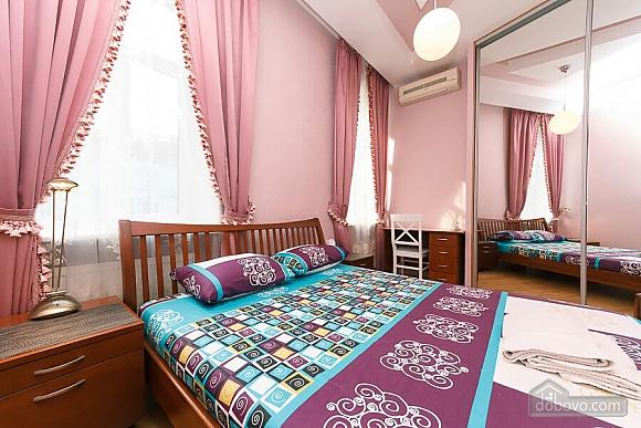 Велика квартира на Бесарабській площі, 3-кімнатна (36197), 014