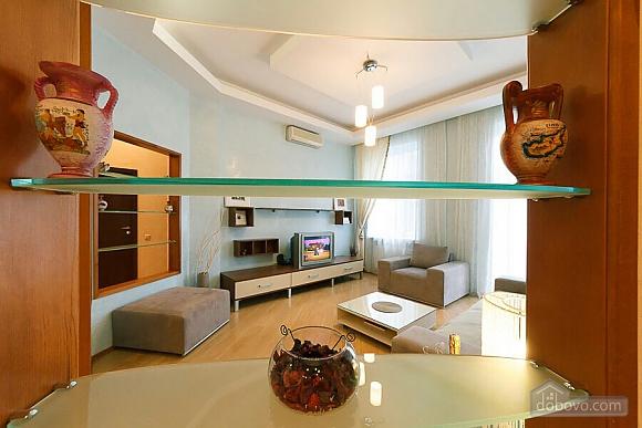 Велика квартира на Бесарабській площі, 3-кімнатна (36197), 015