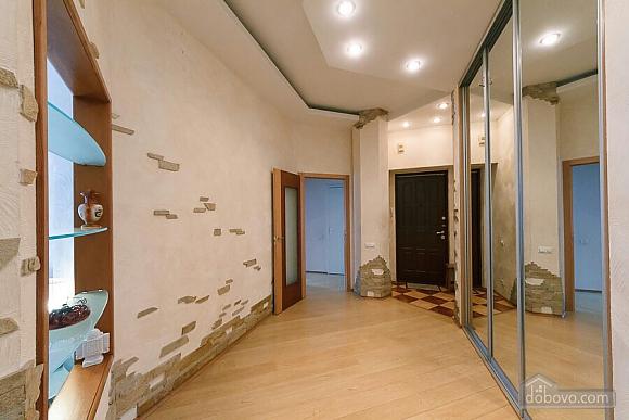 Велика квартира на Бесарабській площі, 3-кімнатна (36197), 017