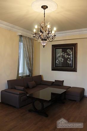 Квартира люкс класса, 2х-комнатная (51213), 002
