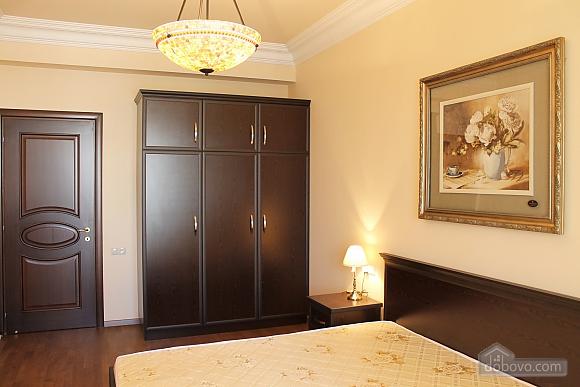Квартира люкс класса, 2х-комнатная (51213), 007