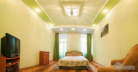 Квартира у центрі Львова, 2-кімнатна (63601), 001
